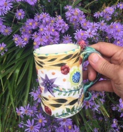 rosebud mug with garden motif